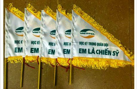in may cờ tour du lịch hướng dẫn viên lấy gấp,LH 0905 755 597 A Huy - danangin.vn,làm dây buộ đầu cỗ vũ,in logo lên vải,nhãn áo size ruy băng,in quảng cáo